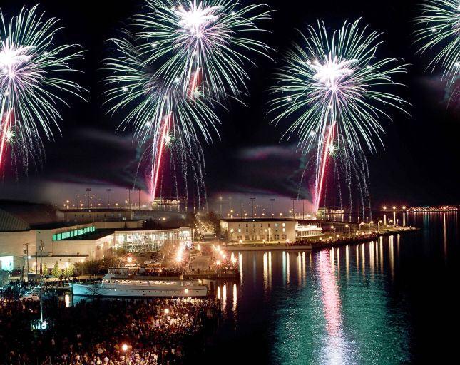 FireworksoverHarbour1