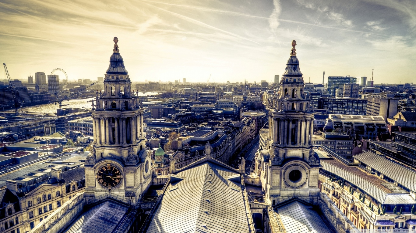 london panorama from st pauls wallpaper 1366x768 Are you Planning to Visit London this Winter?